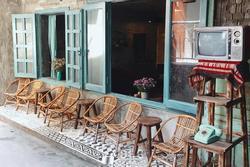 Những quán cà phê thời bao cấp tại Hà Nội vừa bước vào cửa đã thấy cả một 'bầu trời kí ức' ùa về