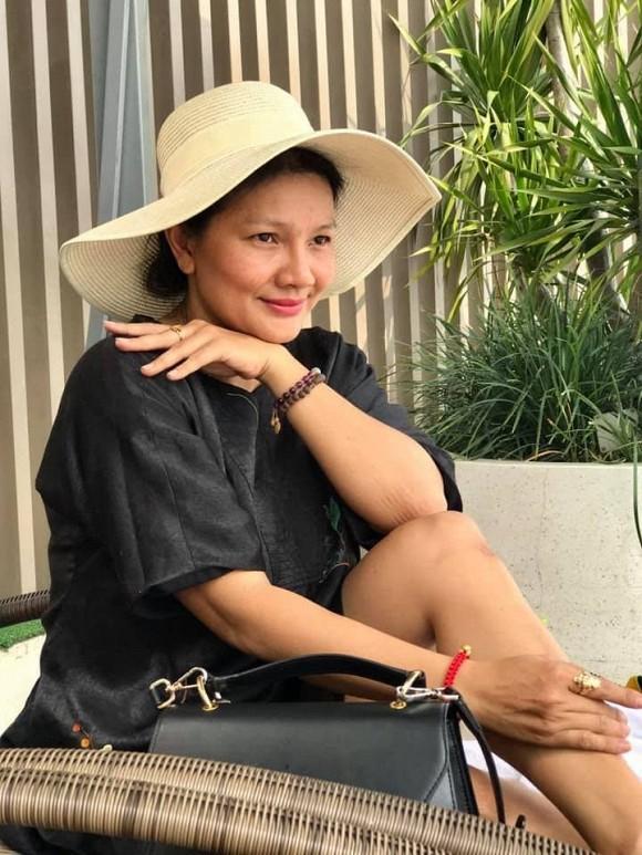 Nữ hoàng cảnh nóng Kiều Trinh phản bác việc bỏ tiền mua bài PR, vay nợ tứ tung để được đi dự LHP-4