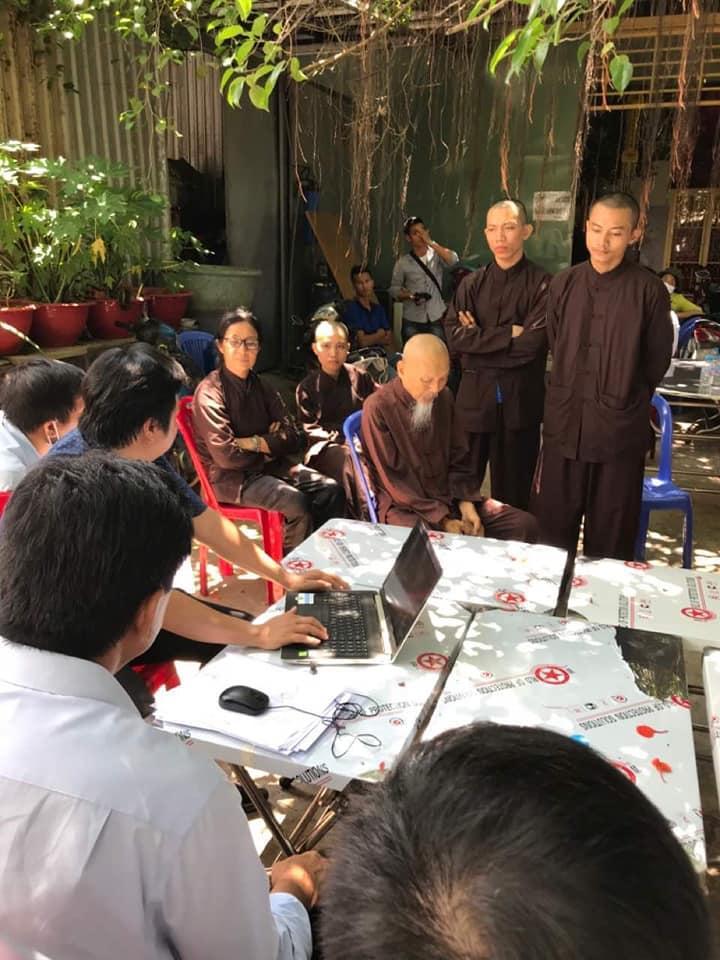Các nhà sư ở Tịnh Thất Bồng Lai có 5 chú tiểu nổi tiếng bị chỉ trích khoe thân phản cảm-1