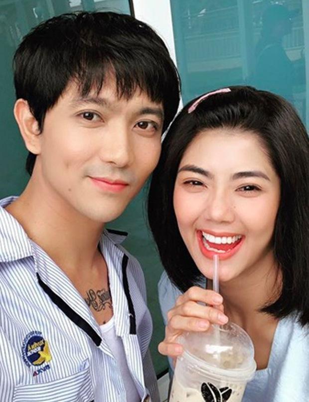 Tim đăng ảnh cô gái lạ mà quen nhưng không phải Trương Quỳnh Anh, lại còn công khai nói lời yêu đương nồng thắm-4