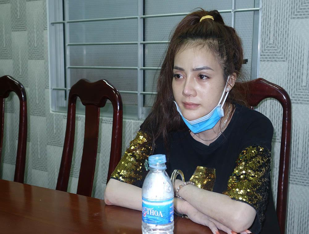 Cô gái xinh đẹp ở miền Tây ôm gần 4kg ma túy từ Campuchia về Việt Nam-1