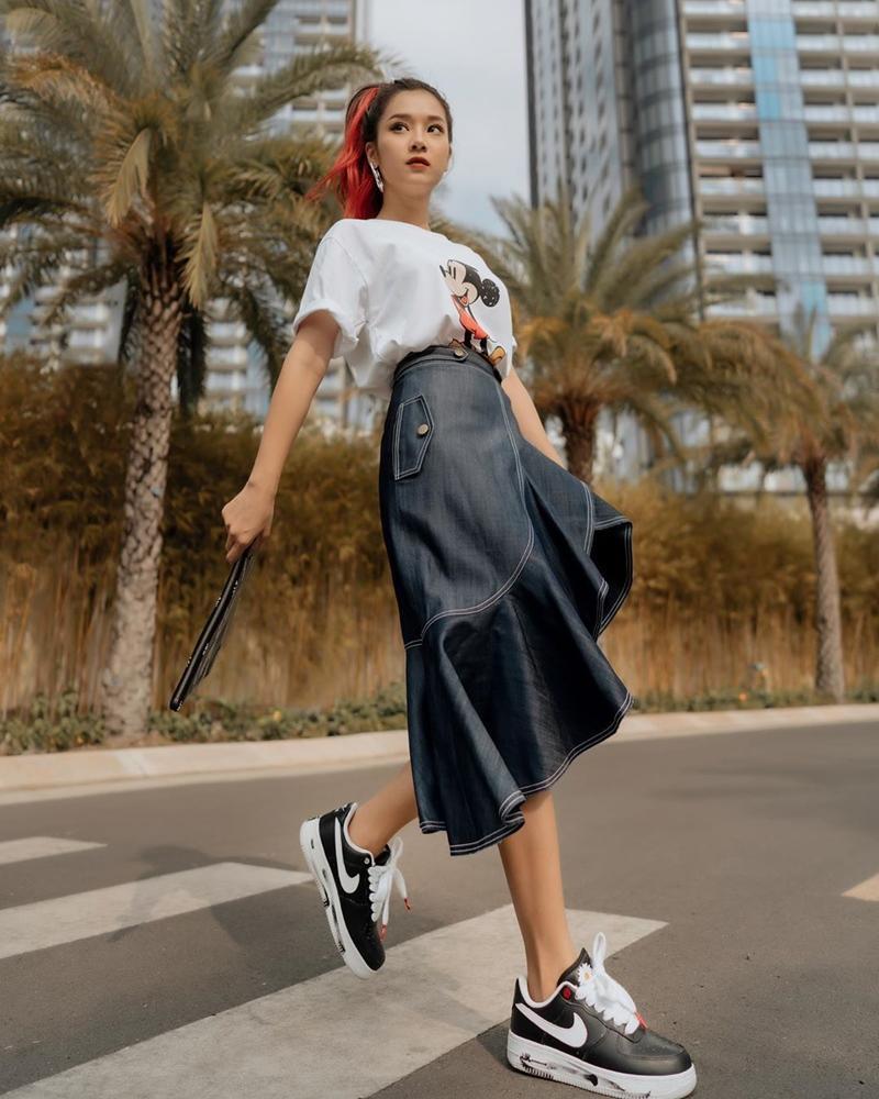 Phương Mỹ Chi mang áo dài checkin Thái Lan - Chi Pu lên đồ chất lừ như siêu sao-4