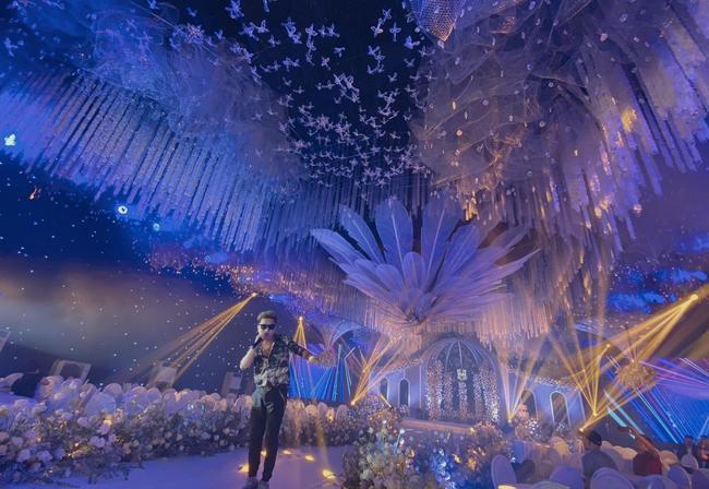Choáng ngợp siêu đám cưới ở Ninh Hiệp: Cung điện rộng 1.600m2, riêng rạp cưới hơn 1 tỷ, nhiều sao bự góp mặt-6