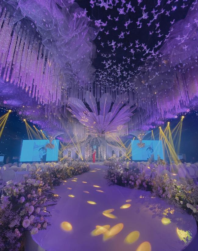 Choáng ngợp siêu đám cưới ở Ninh Hiệp: Cung điện rộng 1.600m2, riêng rạp cưới hơn 1 tỷ, nhiều sao bự góp mặt-4