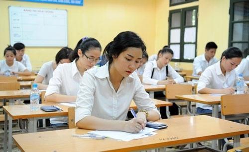 Thầy giáo ở Hà Nội bị tố giải đề thi cho học sinh lớp 12 chép, Sở GD&ĐT vào cuộc-1