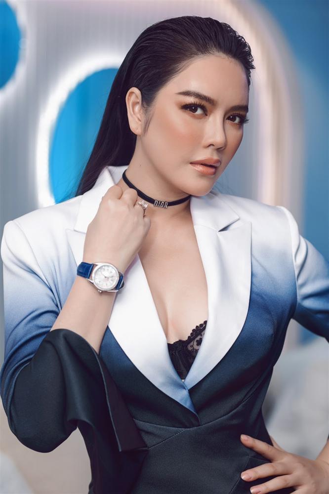 Thúy Vân trang điểm như cô dâu Hàn - Lệ Quyên cắt mái bằng sai quá sai-9