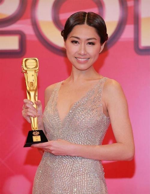 Phận đời 3 mỹ nhân TVB cùng tên Hân: người mang tiếng giật chồng, kẻ lận đận đủ đường-7