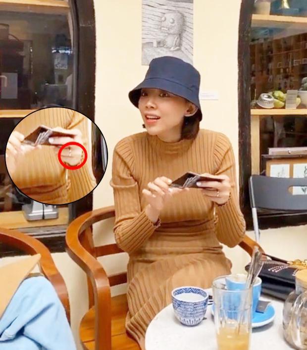 Tóc Tiên lần đầu hé lộ nhẫn cầu hôn của Hoàng Touliver: Thế nào mà chủ nhân bảo chẳng dám khoe bấy lâu nay?-3
