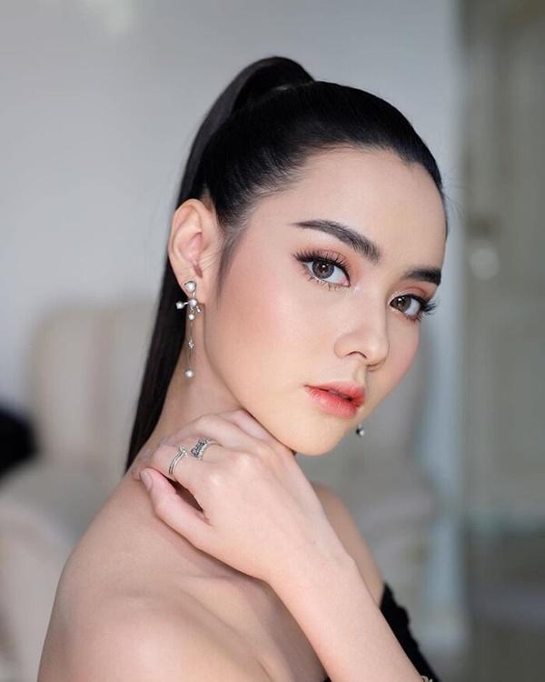Loạt diễn viên Thái Lan trở nên nổi tiếng dữ dội chỉ sau dự án phim đầu tay-15