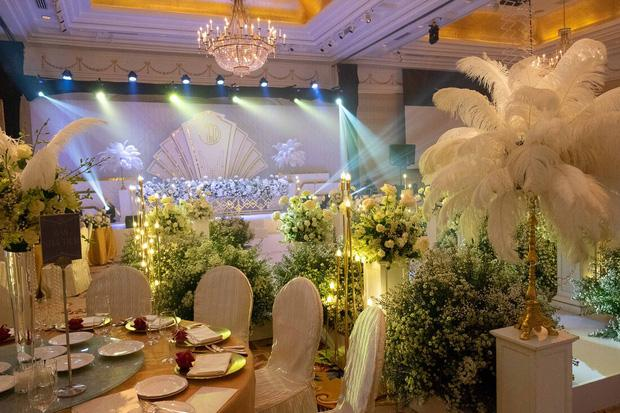 Toàn cảnh lễ ăn hỏi Công Phượng: Khách sạn đắt nhất Sài Gòn, chi phí tiệc 3 triệu/người-3