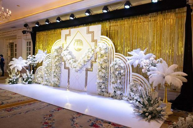 Toàn cảnh lễ ăn hỏi Công Phượng: Khách sạn đắt nhất Sài Gòn, chi phí tiệc 3 triệu/người-5