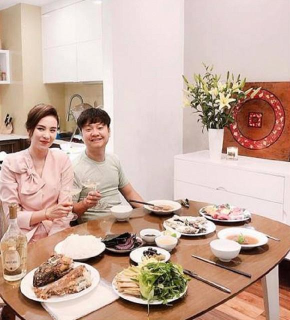 Lấy chồng đại gia có tiếng Hà Thành, nhưng nhìn bữa cơm giản dị của BTV Mai Ngọc khiến nhiều người ngạc nhiên và lý do cũng thật bất ngờ-3