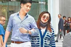 Chồng trẻ kém 8 tuổi của con gái tỷ phú sòng bạc Macau