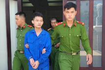 Vụ nam sinh lĩnh 7 năm tù tội hiếp dâm bạn gái: Dân mạng tấn công 'máy bay sống lỗi'