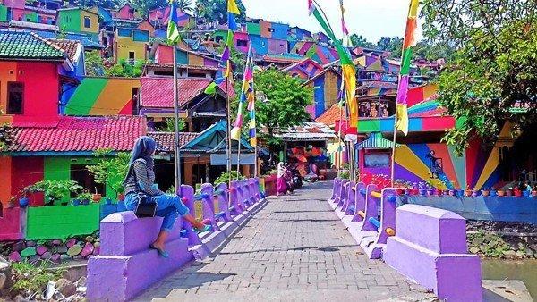 Điểm mặt những ngôi làng bích họa rực rỡ sắc màu ở Châu Á khiến ai đến cũng phải mê-17