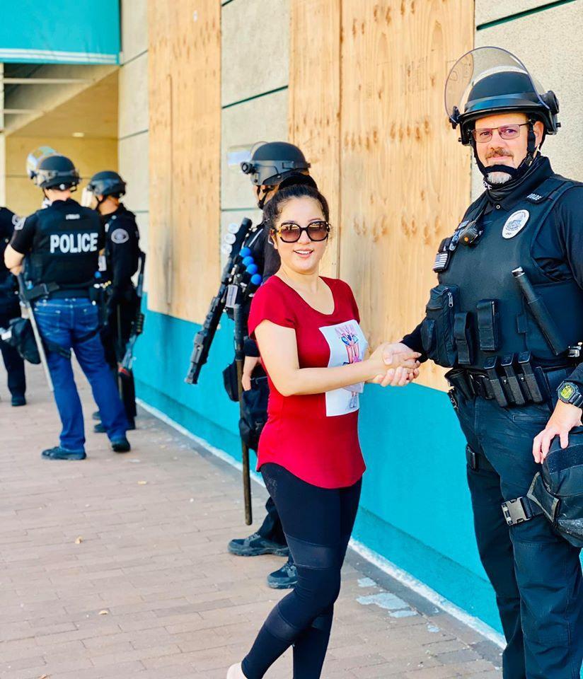 Nghệ sĩ Việt ở Mỹ lo lắng tình hình bạo động-9