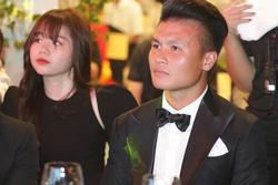 Bỏ theo dõi, treo status tâm trạng, tình yêu của Quang Hải - Huỳnh Anh chớm nở đã 'toang'?