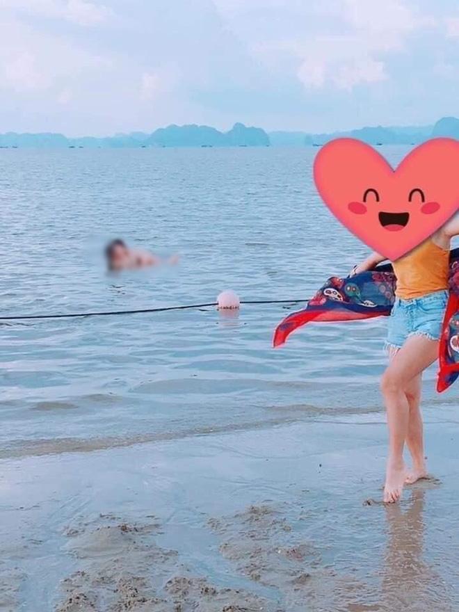 Cặp đôi thản nhiên diễn cảnh nóng trước mặt du khách khi đi tắm biển-1