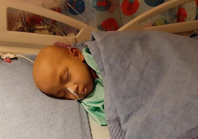 Cảm động tình cha con trong cuộc chiến với u nguyên bào thần kinh-2