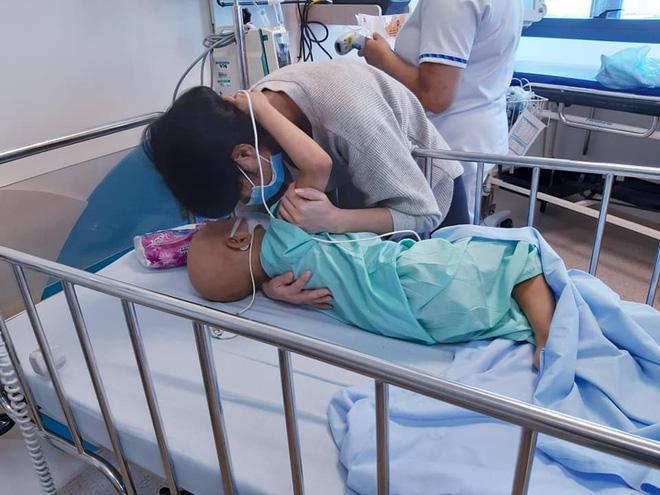 Cảm động tình cha con trong cuộc chiến với u nguyên bào thần kinh-3