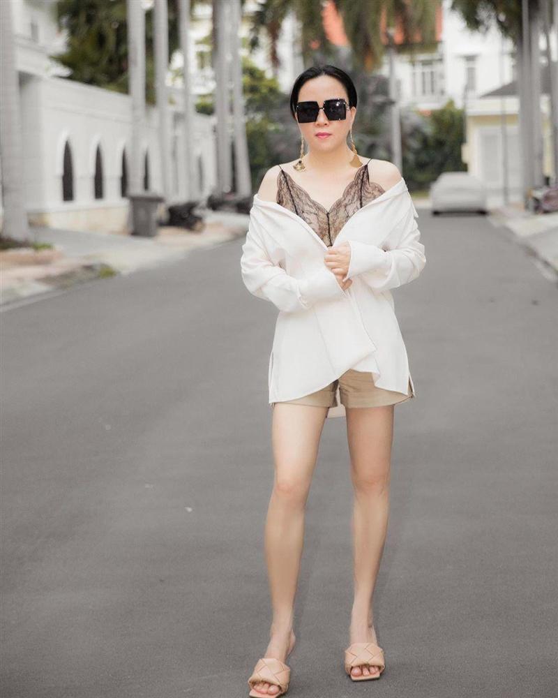 Nghiện đồ ren nhưng lần nào Phượng Chanel mặc cũng thảm họa-6