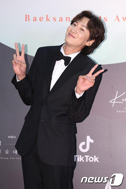 Thảm đỏ Baeksang Arts Awards 2020: Son Ye Jin nổi bật giữa dàn sao hàng đầu-18