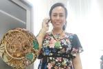 Cô dâu Sóc Trăng đeo vàng kín 2 tay, cổ trĩu nặng nhìn là thấy khó thở-4