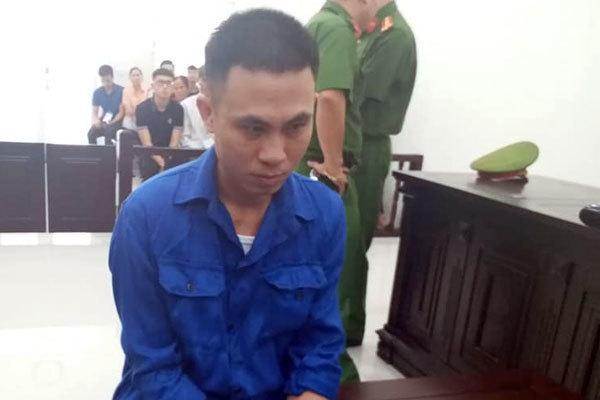 Người đàn ông ở Hà Nội đang thái thịt, cầm dao giết chết hàng xóm-1