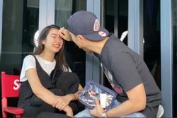 Chồng á hậu Thúy Vân trổ tài make up cho vợ