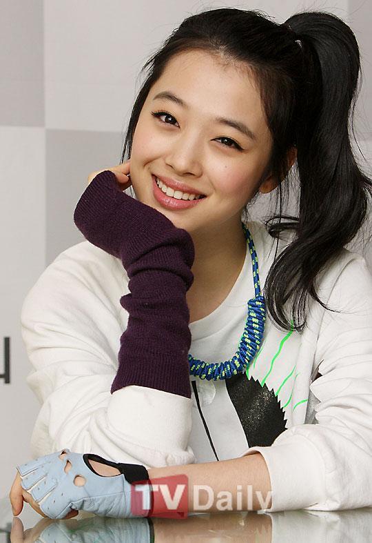 Những idol nữ vừa ra mắt đã thành chủ đề nóng cho fan bà tám-3