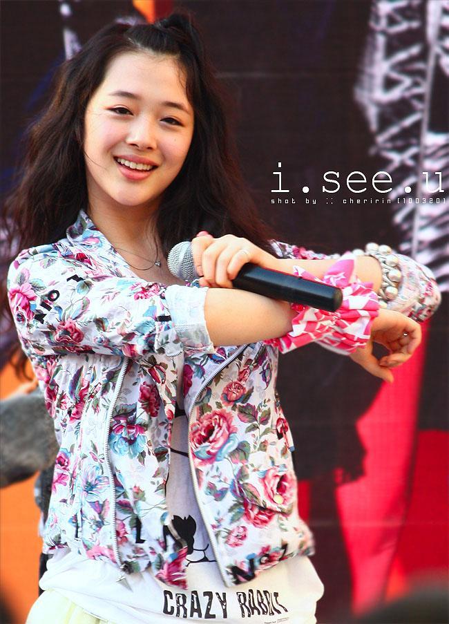 Những idol nữ vừa ra mắt đã thành chủ đề nóng cho fan bà tám-4