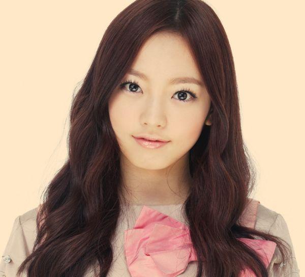 Những idol nữ vừa ra mắt đã thành chủ đề nóng cho fan bà tám-5