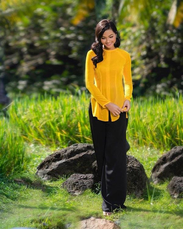 Chiếc áo bà ba biến phái đẹp trở nên dịu dàng đoan trang, kể cả Chi Pu hay Ngọc Trinh-7
