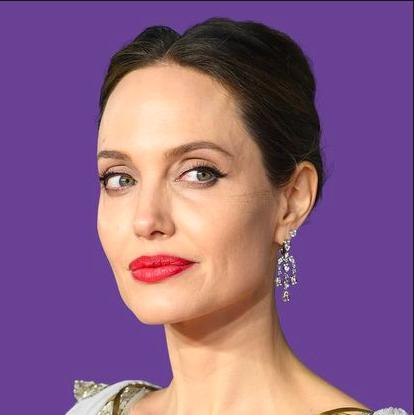 Angelina Jolie đứng cuối danh sách 100 ngôi sao giàu nhất thế giới-11