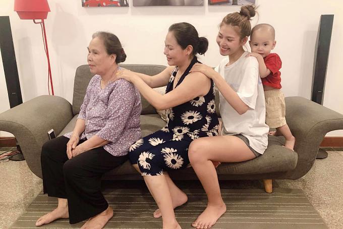 Những mẹ chồng trẻ trung của sao Việt-10