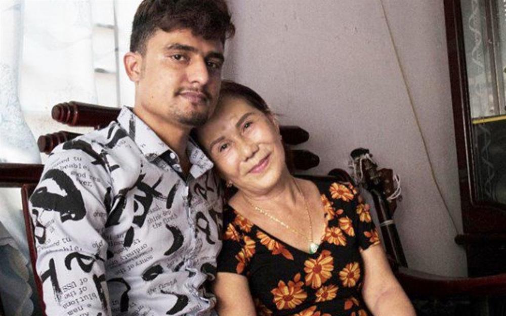 Cô dâu Cao Bằng tiết lộ từng muốn khuyên can chồng Tây 28 tuổi đánh vợ 65 ở Đồng Nai-2