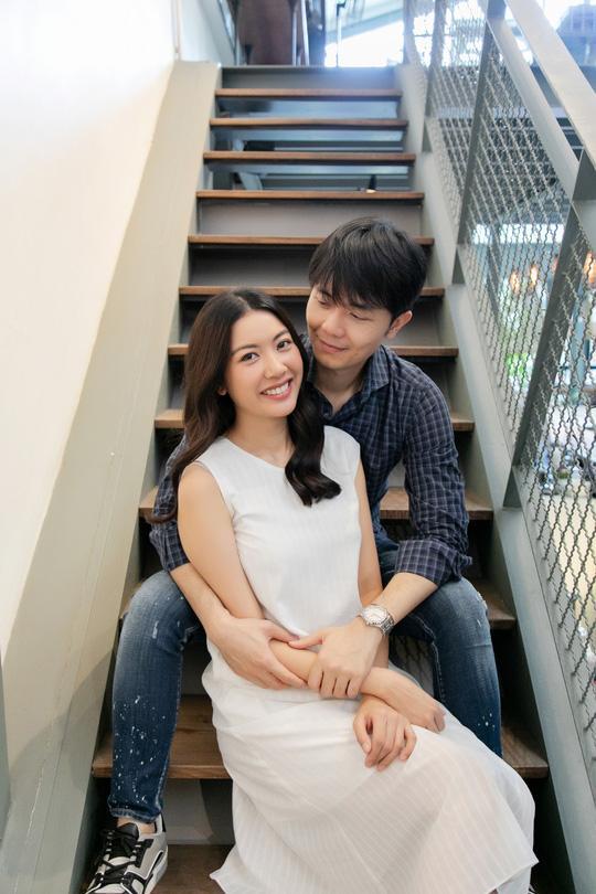 Á hậu Thúy Vân đăng loạt ảnh mặc váy thùng thình như bà bầu đích thực-1