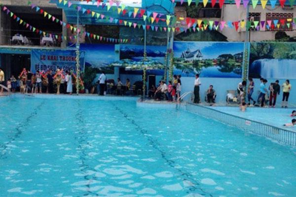 Bắc Giang: Bé gái 8 tuổi đuối nước thương tâm tại bể bơi trong ngày nắng nóng-1