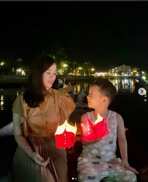 Khoe ảnh đưa con du lịch, nhan sắc tuổi 30 của Ly Kute khiến hội chị em ghen tị-6