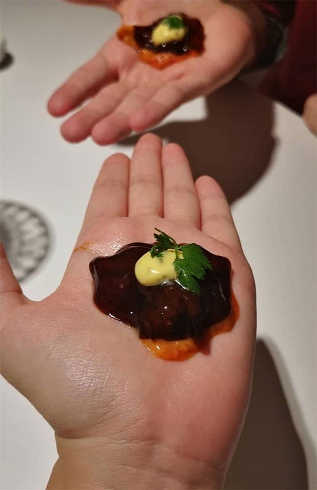 Những món ăn trang trí theo cách chẳng giống ai làm thực khách khó nuốt trôi-2