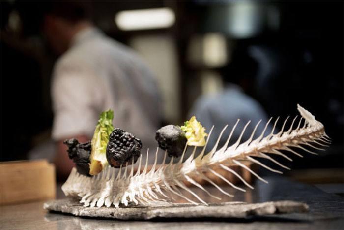 Những món ăn trang trí theo cách chẳng giống ai làm thực khách khó nuốt trôi-8