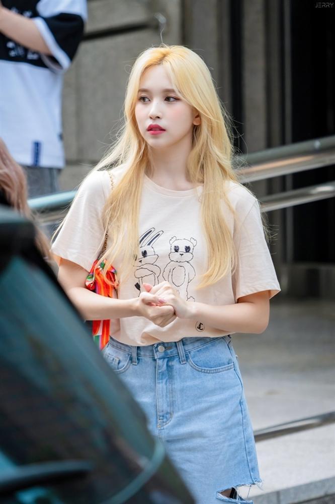 Nhan sắc đi vào huyền thoại của nữ idol chỉ nhờ một lần dại dột nhuộm tóc vàng-2