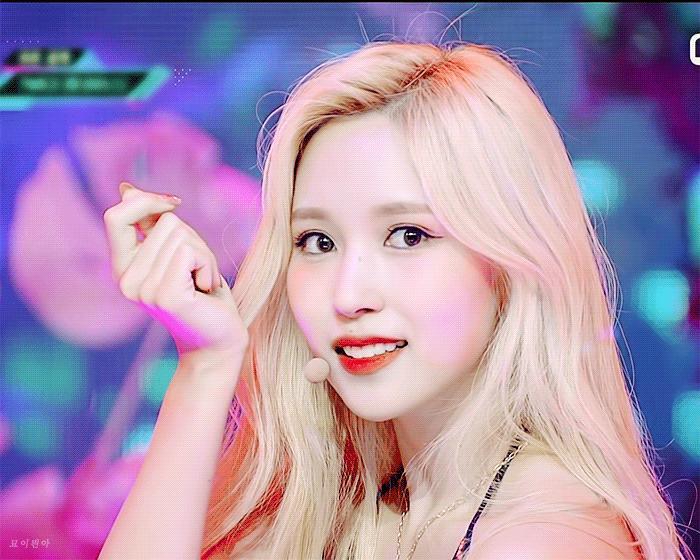 Nhan sắc đi vào huyền thoại của nữ idol chỉ nhờ một lần dại dột nhuộm tóc vàng-3