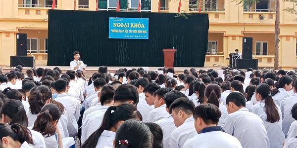 Đột phá hình online cùng 'ngôi sao hình học'- thầy Phạm Hữu Giang-4