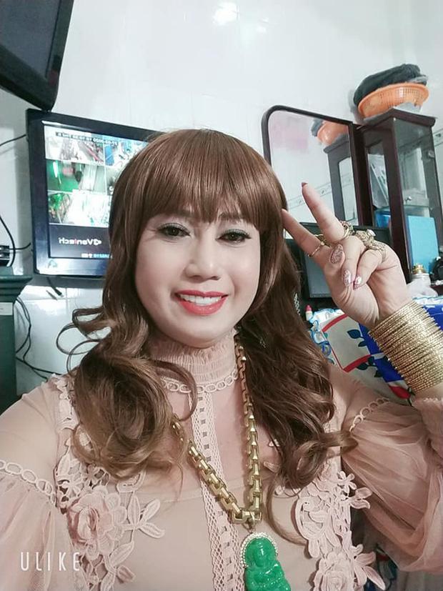 Diva Cát Thy và cô Minh Hiếu: Hai chị yêu hút fan vì quá... mặn, đường tình kể ra lận đận lắm luôn-6