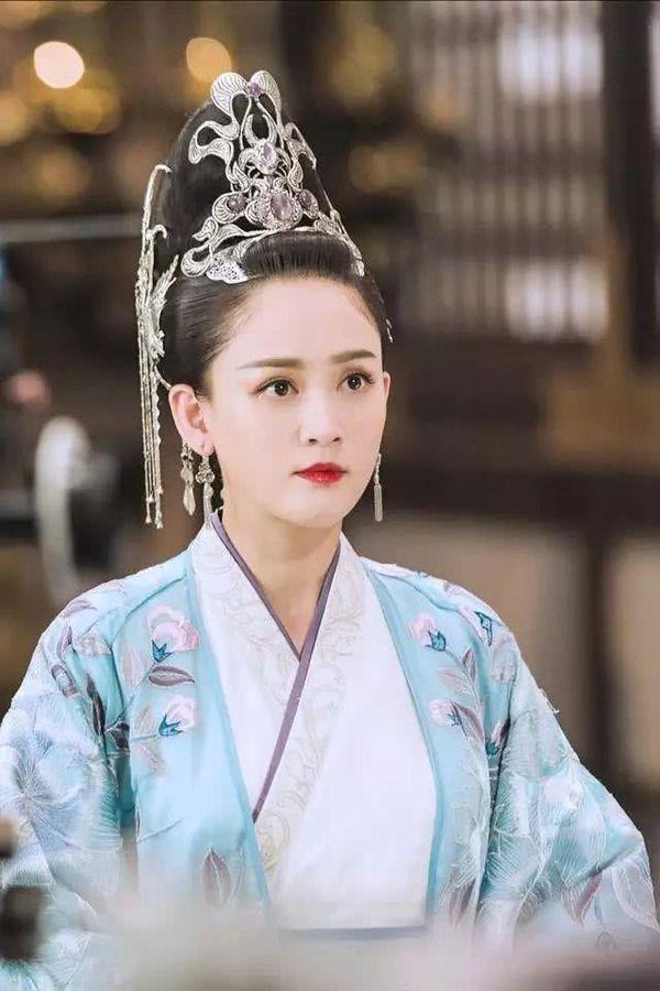 Vị Hoàng hậu ép vua sống cảnh một vợ một chồng, vì ghen tuông mà diệt trừ tình địch-3