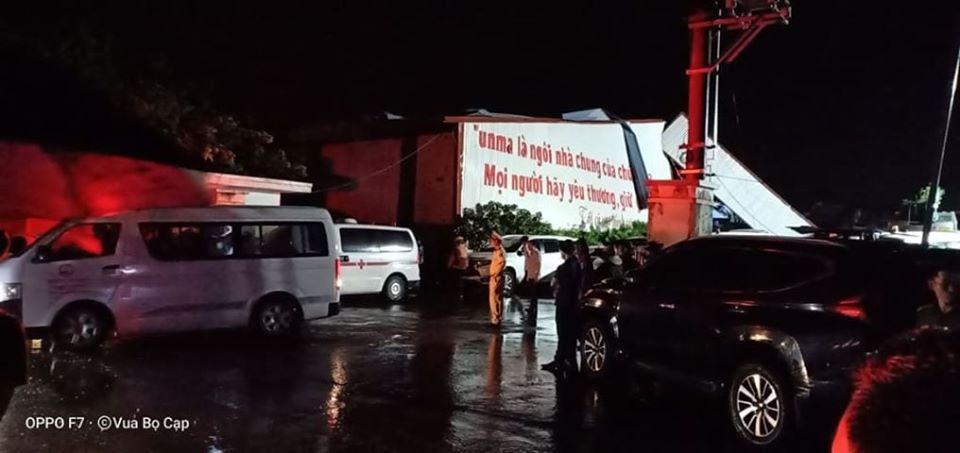 Lốc xoáy ở Vĩnh Phúc làm sập công ty gỗ, 3 người chết, gần 20 người bị thương-4
