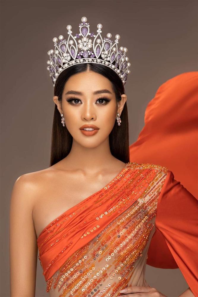 Khánh Vân bị nhắc nhở quá phụ thuộc ê-kíp, khó tỏa sáng tại Miss Universe-5