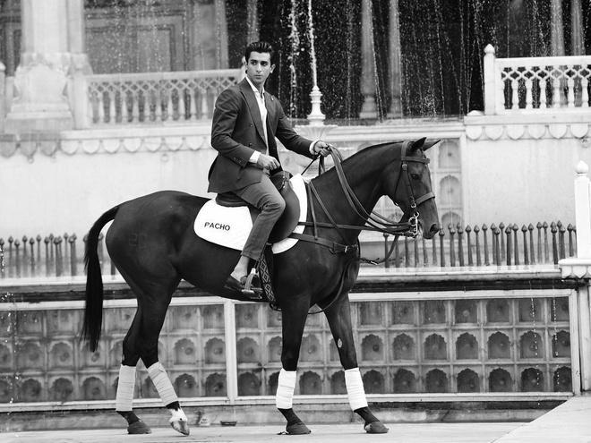 Hoàng tử Brunei, công chúa Thái, hoàng hậu Bhutan hot nhất MXH châu Á-6