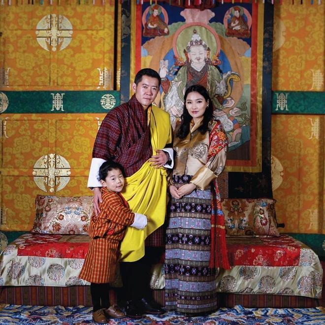 Hoàng tử Brunei, công chúa Thái, hoàng hậu Bhutan hot nhất MXH châu Á-7